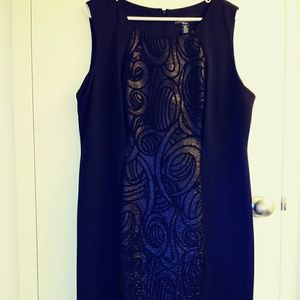 *3/$25 R&m Richards black dress with front …